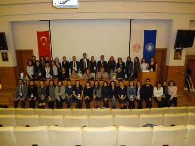 Dr. Karan gathers with conference attendees in Turkey.