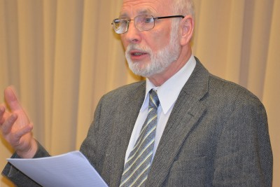 As part of the Math ICC project, Durham University Professor Emeritus Michael Byram visits UConn to discuss criticality of foreign language education at Gentry building on February 4, 2015. (Photo credit: Shawn Kornegay)